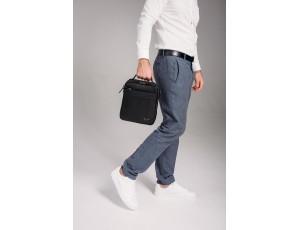 Шкіряна сумка через плече в чорному кольорі Tavinchi TV-S010A - Royalbag