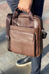 Мужские кожаные сумки среднего размера